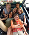 Friends_in_car