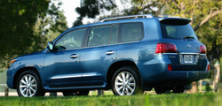 Bs2008lexuslx570rear3747_2